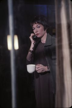 Shirley Maclaine, Film Institute, Academy Award Winners, Golden Age, Actors & Actresses, Acting, Dancer, Goth, Hollywood