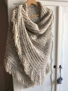 Free and Stylish Shawl for This Season Crochet Patterns Part 12 ; crochet shawls and wraps; Crochet Shawls And Wraps, Knitted Shawls, Crochet Scarves, Crochet Clothes, Knitted Poncho, Knitting Patterns, Crochet Patterns, Shawl Patterns, Free Knitting