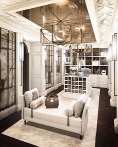 WEBSTA @ velvetmusings - Goodnight fam!! Oldie but goodie. Will be dreaming of this tonight.#home #homedecor #mansion #belle #adore #closet #goals #inspiration #homedecor #decoracao #decorating #interiors #interiorlove #elegant #opulence #eleganthome #realestate #staging #luxe #glam #luxuryhomes #luxe