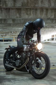 Brother Moto - collectori: via Café Racer Yamaha Cafe Racer, Inazuma Cafe Racer, Moto Cafe, Cafe Bike, Cafe Racer Motorcycle, Classic Motorcycle, Women Motorcycle, Motorcycle Quotes, Motorcycle Helmets