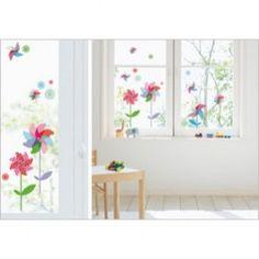 Heel mooi zijn deze raamstickers Windmolentjes van Nouvelles Images voor op het raam. Nu hoef je geen windmolentjes in de tuin te zetten, je plakt ze gewoon op het raam!