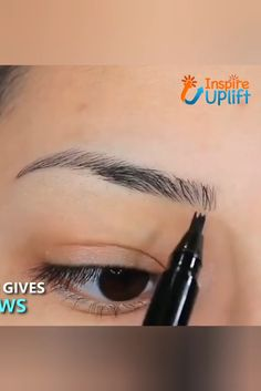 Waterproof Microblading Pen - ⭐⭐⭐⭐⭐ The unique applicator allows you to create a more hair-like, natural brow appearance. Obtain beautifully polished eyebrows using the selection of shades to find one that matches your hair color. Beauty Make-up, Beauty Secrets, Beauty Skin, Beauty Hacks, Hair Beauty, Beauty Tips, Beauty Care, Eyebrow Makeup, Skin Makeup