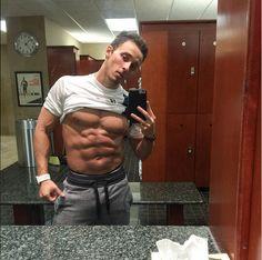 Jorge Ivan Guevara mirror selfie with his 6pack