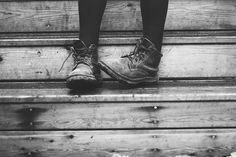 A Thousand Years - Christina Perri Old Shoes, Favim, Love Songs, Shoe Collection, All Black Sneakers, Quotes To Live By, Hiking Boots, Che Guevara, Fashion Shoes