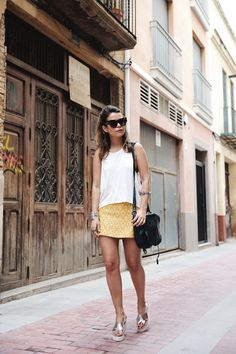 Yellow_Skirt-Silver_Wedges-Outfit-Street_Style-1512