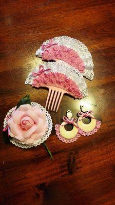 Conjunto niña para Trajes de Flamenca. Flamenco Costume, Spanish Dress, Dance Accessories, Kids Dress Up, Ribbon Bows, Birthday Candles, Hair Bows, Headbands, Diy Crafts
