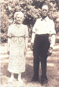 Little House on the Prairie The real Laura and Almanzo Wilder circa 1940 - laura-ingalls-wilder photo