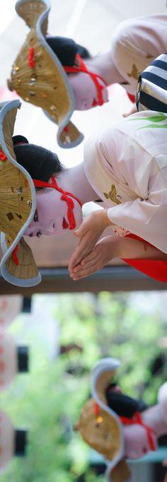 maiko 舞妓 Katsue 佳つ江 Gion Kobu 祇園甲部 祇園祭 雀をどり KYOTO JAPAN