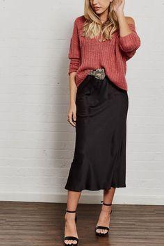 Vintage Fashion Stretch silk skirt midi black a-line skirt.Vintage Fashion Stretch silk skirt midi black a-line skirt Skirt Fashion, Fashion Outfits, Jw Fashion, Street Fashion, Korean Fashion, Winter Fashion, Vintage Fashion, Fashion Trends, Skirt Midi