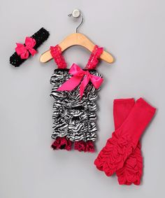 Dressing up little darlings is a total delight thanks to this ruffled romper set that includes ruched leg warmers and a headband with an interchangeable bow clip. Pair this showstopper ensemble with slick shoes for a sublime send-off.