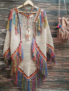 Indian poncho vest and many gorgeous boho inspirations! Gilet Crochet, Crochet Coat, Crochet Jacket, Crochet Cardigan, Crochet Scarves, Crochet Shawl, Crochet Clothes, Crochet Stitches, Crochet Patterns