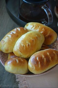 Cuisine Diverse, What You Eat, Croissants, Ww Recipes, Hot Dog Buns, Coco, Donuts, Hamburger, Biscuits