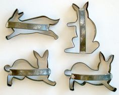4 ANTIQUE Vintage EASTER BUNNY RABBIT Primitive Metal COOKIE CUTTER w/ Handles | eBay