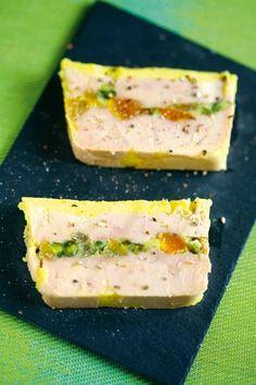 Terrine+de+foie+gras+de+canard+aux+abricots+et+aux+pistaches