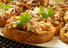 Zapečené chlebíčky recept - TopRecepty.cz Breakfast Tea, Bread Baking, Bon Appetit, Baked Potato, Hamburger, Sandwiches, Dinner Recipes, Brunch, Food And Drink