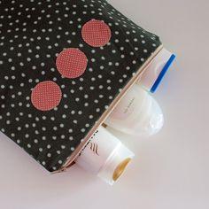 4 Freizeiten: Nähen: Taschenspieler-3-Sew-Along, Nr. 4 - die Kosmetiktasche, Farbenmix, Kulturbeutel, groß, für große Flaschen Duschgel, Shampoo oder auch Sonnencreme