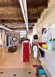 Jogging, un concept store made in Marseille Marseille France, Concept Shop, Boutique Deco, Marie Claire, Jogging, Places To Go, Street View, Projects, Store