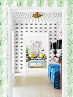 How to get The Queen's Gambit '60s Maximalism Look at Home Plaid Wallpaper, Print Wallpaper, Home Wallpaper, Hallway Wallpaper, Green Wallpaper, Wallpaper Ideas, Bunk Bed Curtains, Funky Home Decor, Eclectic Decor