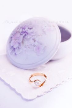 Romantic jewelry box with a ring