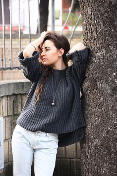 #dasynka #blog #inspiration #fashion #blogger #travel #globetrotter #shooting #model #italy #influencer #instagram #long #hair #casual #street #style #girl #beautiful #lookbook #lifestyle #outfit #poses #blogging #sweater #grey #boyfriendjeans #fishnet #stockings #jeans #adidas #superstar #oversize #casual #dismissed