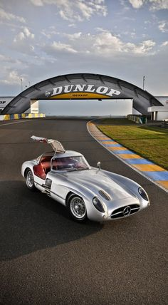 ♂ Silver car Mercedes Benz 300 SLR from http://silodrome.com/mercedes-benz-300-slr-uhlenhaut-coupe-w196/