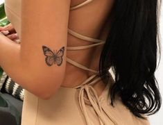 Dope Tattoos For Women, Tiny Tattoos For Girls, Teen Girl Tattoos, Dainty Tattoos For Women, Piercings, Piercing Tattoo, Elbow Tattoos, Finger Tattoos, Leaf Tattoos