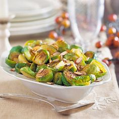 This skillet-browned Brussels sprouts recipe is a tasty accompaniment for all types of Christmas main dishes including roast beef, pork, or lamb as well as turkey or chicken. Nut Recipes, Sprout Recipes, Almond Recipes, Side Dish Recipes, Vegetable Recipes, Diabetic Recipes, Vegetable Ideas, Diabetic Foods, Vegan Foods
