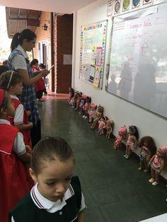 Taller Creativo Gimnasio Pinares febrero 2016 Realizamos un pareo para la muñeca Americana.