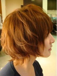 ふんわり明るいカラーとヘアーが春っぽくて可愛いですね。