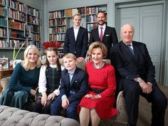 The Norwegian royal family. Kinghouse Med ønske om en riktig god jul! Sávvat buriid juovllaid! (Photo: Lise Åserud, NTB scanpix)