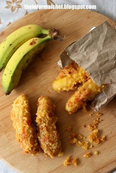 """Crispy Fried Banana/Pisang Goreng 炸香蕉 Pisang Goreng, typical Malaysian (and Southeast Asian snack). This recipe would yield you some very crispy fried bananas that last for hours. The secret is to coat the frying bananas with another layer of crispy bits or """"kremes"""". The crispiness could last up to 2 hours. Find out more from the links below"""