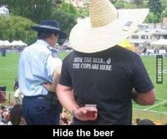 Funny pictures about Hide the beer. Oh, and cool pics about Hide the beer. Also, Hide the beer. Australian Memes, Aussie Memes, Funny Images, Funny Pictures, Funny Pics, Videos Funny, Meanwhile In Australia, Australia Funny, Dump A Day