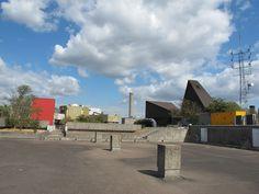 Mozinor, usine verticale à Montreuil. La terrasse (sur laquelle se trouvent des ateliers d'artistes)