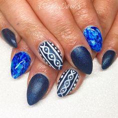 Nail art gel nails acrylic nails Xmas nails Christmas nails Xmas nail art pointed nails almond nails round nails coffin nails nail inspo winter nails marble nails sweater nails