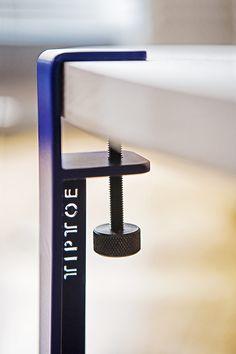 Le pied TIPTOE 40cm sefixe en quelques secondes sur n'importe quel support à l'aide d'une vis de serrage pour créer une table basse, une table…