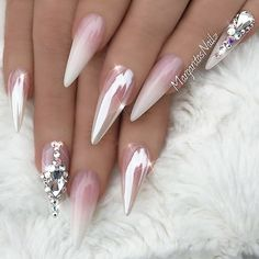 Newest chrome nail art designs 2019 - top 77 design - Our Nail Ongles Bling Bling, Bling Nails, Stiletto Nails, Gel Nails, Coffin Nails, Pointed Nails, Nail Manicure, Acrylic Nails, Classy Nails