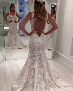 The Top Wedding Dress Trends of 2020 - New ideas Wedding Dress Trends, Gorgeous Wedding Dress, Modest Wedding Dresses, Tulle Wedding, Boho Wedding Dress, Bridal Dresses, Wedding Gowns, Godmother Dress, The Dress