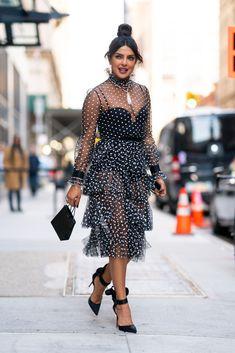 Priyanka Chopra In Philosophy di Lorenzo Serafini – Watch What Happens Live! Star Fashion, Fashion News, Fashion Outfits, Fashion Trends, Priyanka Chopra Hot, Priyanka Chopra Red Carpet, Shraddha Kapoor, Ranbir Kapoor, Deepika Padukone