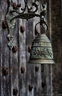 ☀ sinos e luzes - Charleville Castle, Near Tullamore in Offaly county, Ireland Knobs And Knockers, Door Knobs, Door Handles, Ring My Bell, Decorative Bells, Green And Grey, Wind Chimes, Shabby Chic, Inspiration