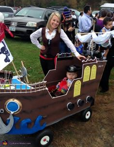 Sherrie: This is my grandson! My daughter asked if I could make his wagon into a ship. I had no clue. I took large Lowes boxes and opened them flat on. Pirate Halloween, Halloween Costume Contest, Cute Halloween Costumes, Baby Costumes, Halloween Cosplay, Scary Halloween, Pirate Baby, Pirate Theme, Festival Trolley