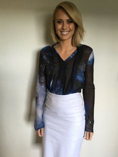 Sylvia Jeffreys (@SylviaJeffreys) | Twitter Aussies, Short Haircuts, Work Attire, New Hair, Hair Inspiration, Hair Ideas, Leather Skirt, How To Look Better, Hair Cuts