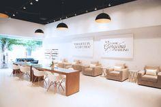 A modern and glam nail salon I Elaa Décoration                              …