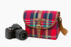 Plaid Camera Satchel - A perky plaid camera bag, perfect for day tripping. ($75.00, http://photojojo.com/store)