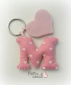 Favor keychain idea letter for your heart event - letter keychain wedding favor idea for your heart event - Felt Crafts Diy, Felt Diy, Fun Crafts, Sewing Crafts, Sewing Projects, Crafts For Kids, Felt Keychain, Keychains, Felt Decorations