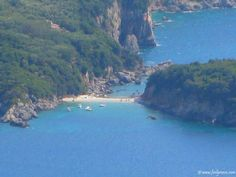Limni Beach can be found 2 km away from the village of Liapades and it is known as one of the beaches of Paleokastritsa