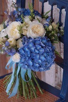 niebieski rustykalny bukiet ślubny