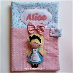Alice, Craft Show Ideas, Books For Boys, Alphabet, Hobby, Crafts, Felt Cover, Felt Decorations, Decorated Binders