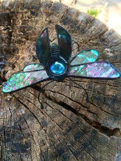 Een persoonlijke favoriet uit mijn Etsy shop https://www.etsy.com/listing/269076596/stained-glass-carabee-bug-suncatcher