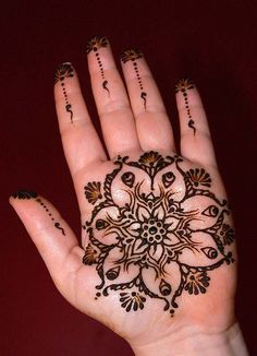 LOVE the flower!! Maybe for my half sleeve? Mehndi Art, Henna Mehndi, Henna Art, Henna Tattoos, Henna Body Art, Mehendi, Mehndi Tattoo, Hand Henna, Palm Tattoos