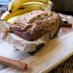 Saftiges Bananenbrot ohne Zucker & Mehl